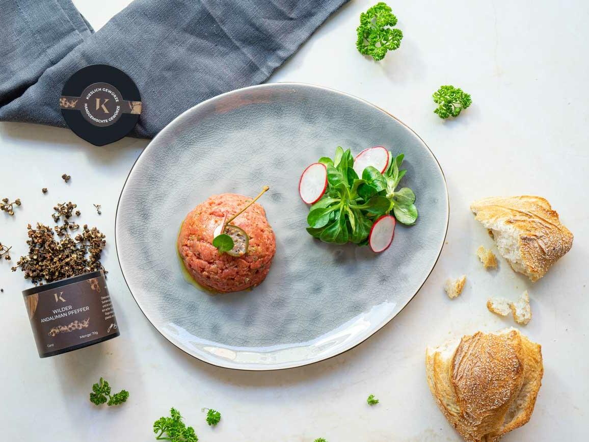 Beef Tatar Rezept mit Kieslich Gewürze Andaliman Pfeffer